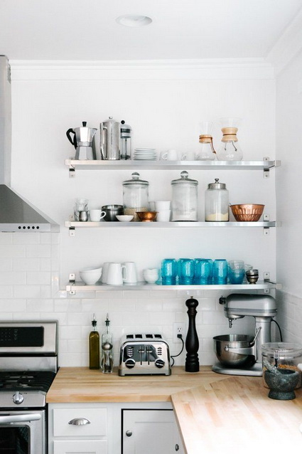 Advantages of open shelves in kitchens 9