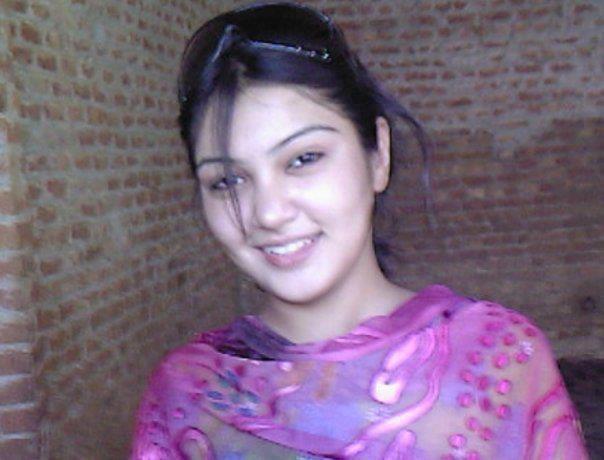 Happy raikoti desi punjabi kudi images - Punjabi desi pic ...