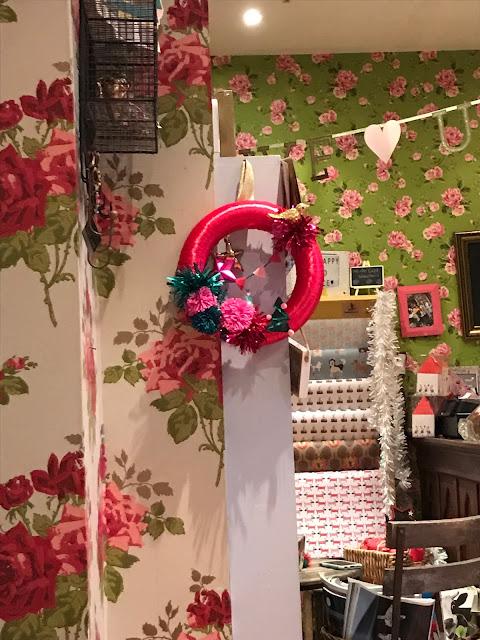 Kitsch Christmas Wreath DIY How To Make - Make Do & Trend
