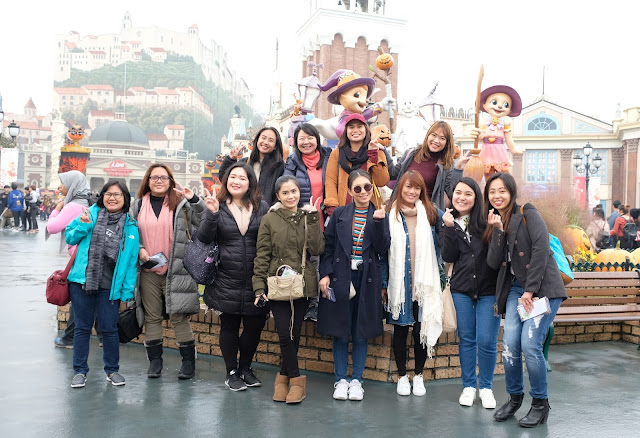 a photo of bloggers vloggerse and media at Everland with Korea Tourist Organization Ladies' Tour_Cebu Pacific Air_JG Summit Holdings_Seoul Korea Travel