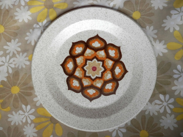 Charity shopping, oriental man box, retro palissy plates, retro wallpaper. secondhandsusie.blogspot.com