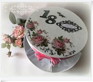 Osiemnastka w stylu glamour – róże vintage wśród kryształków i brokatu.Decoupage.