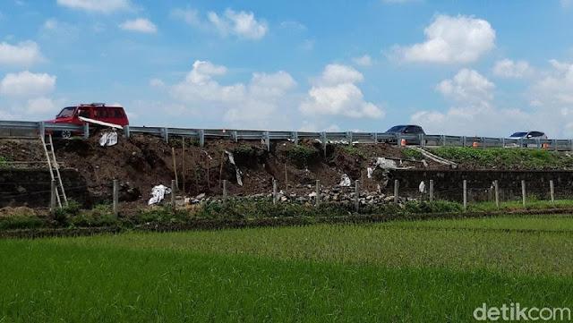 Baru Difungsikan, Talut Tol Salatiga-Kartasura Ambrol di Boyolali