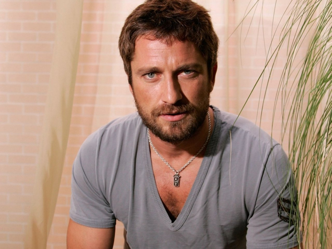 gerard butler 300 beard - photo #32