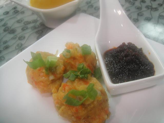 http://shitals-kitchen.blogspot.com/2013/03/veggie-dumpling-soup.html