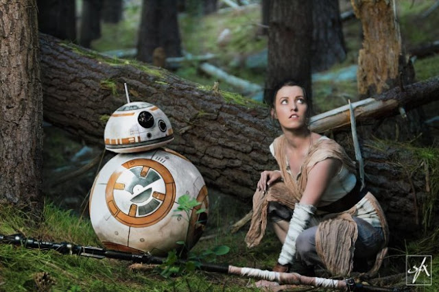 Rey hiding in the forest cosplay