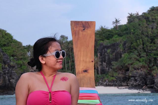 pengalaman kulit berjerawat saat travelling