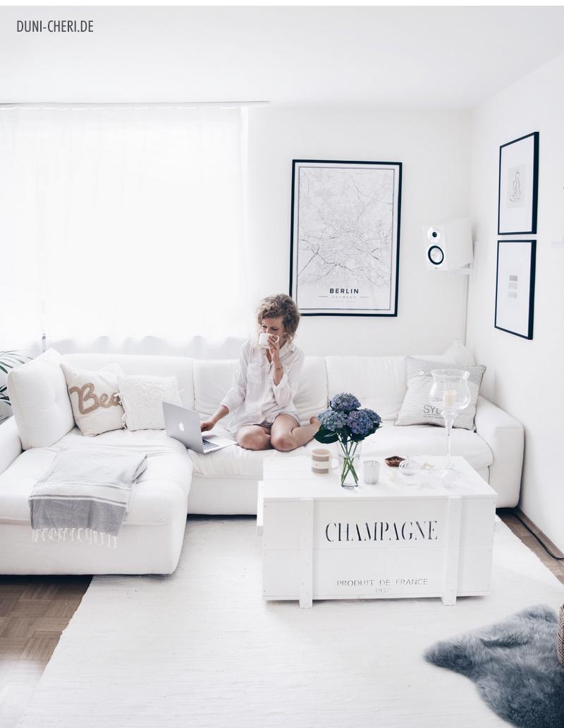 duni.cheri: unser rustikales, weißes wohnzimmer mit großer, Hause deko