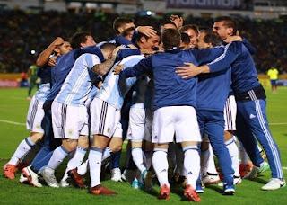 فيديو : هاتريك ميسي يقود الأرجنتين للمونديال بعد الفوز على الاكوادور بثلاثية