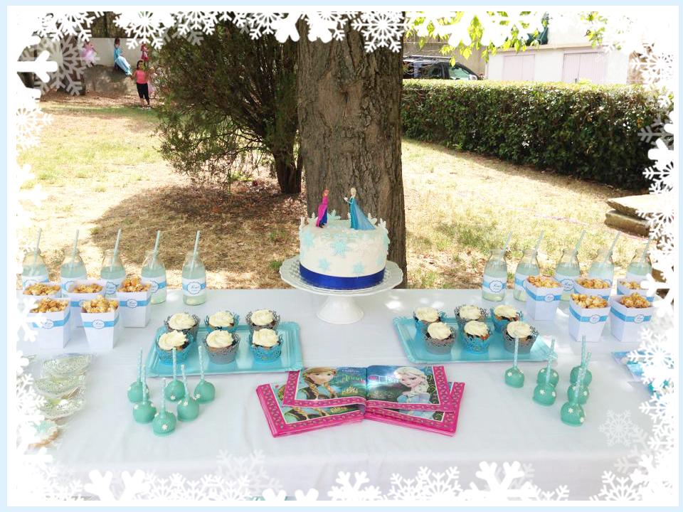 table gourmande decoree pour l'anniversaire d'une petite fille