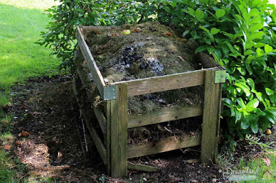 How to Build A Compost Pile
