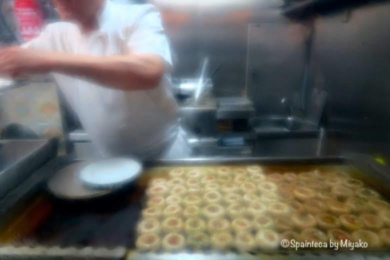 Mesón del Champiñón マドリードの本場バルの鉄板で焼かれるマッシュルーム