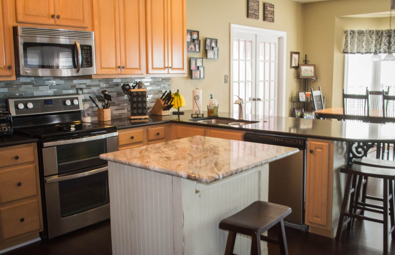 Down to Earth Style: Nosey Neighbor Kitchen Redo #2