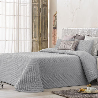 Colcha Bouti modelo Mointis color GRis de Antilo Textil