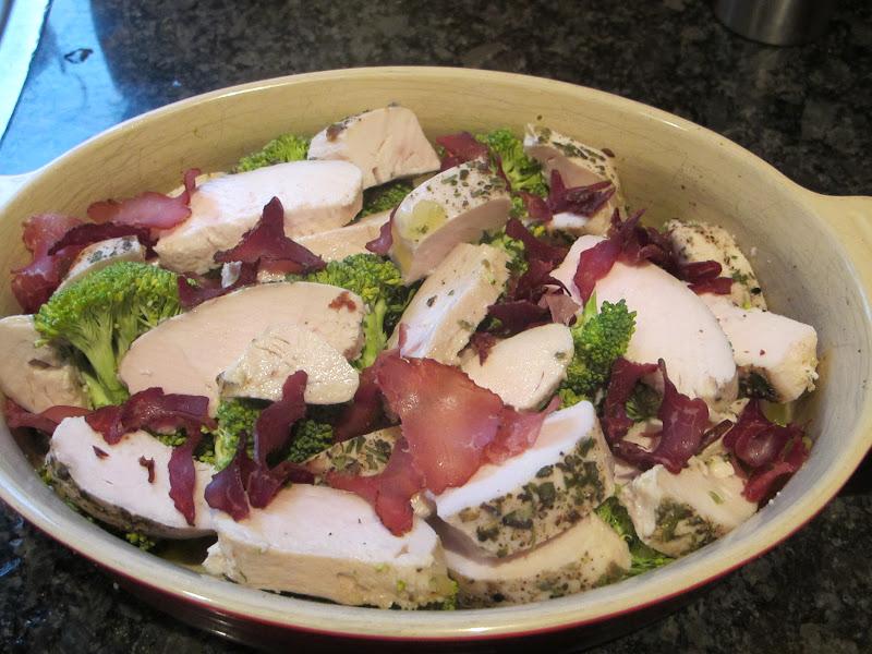 broccoligratäng med rökt skinka recept