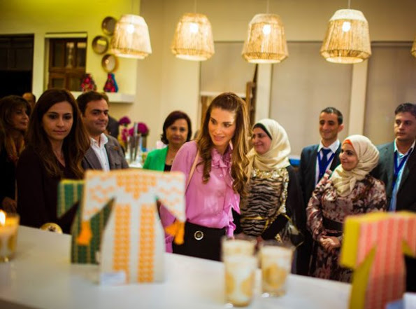 Queen Rania visits JRF's 20th anniversary exhibition