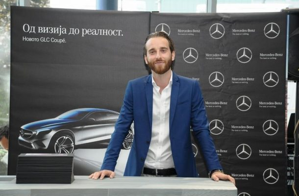 Makedonischer Benz Designer stellt sein Auto in Skopje vor