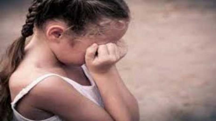 نأسف لعرض هذه الصور   شافت كل أنواع التعذيب ربطتها وحبستها عارية في البلكونة يوميات تعذيب الطفلة يسر