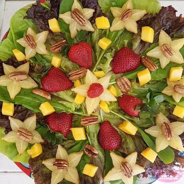 Salada verde com carambola