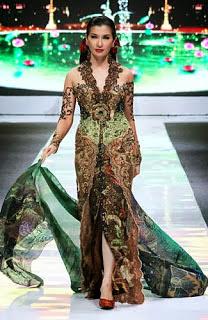 Model Baju Kebaya Anne Avantie Modern Terbaru