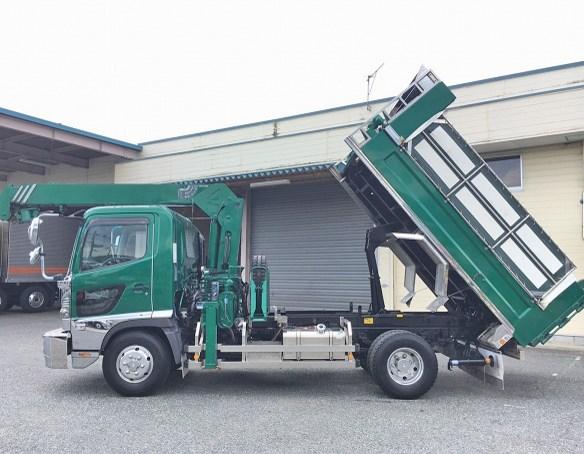 gambar dump truk hino dutro with crane