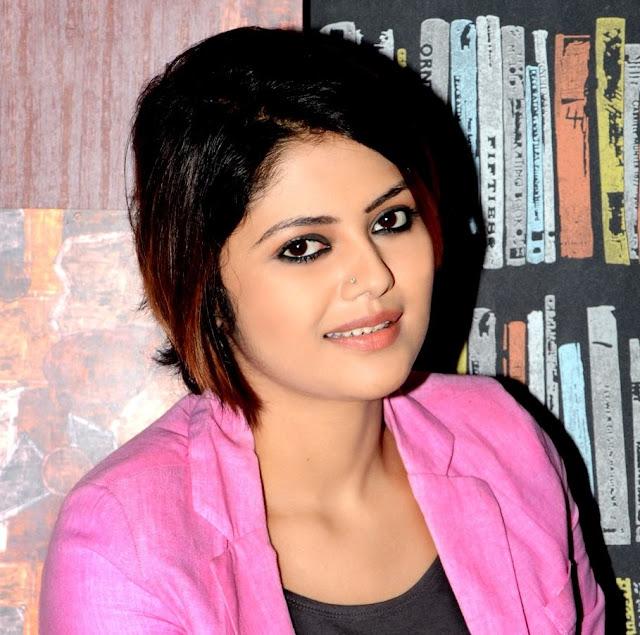 Saayoni Ghosh HD Photos