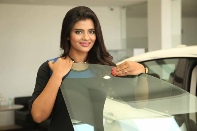 Actress Aishwarya Rajesh Latest Photo Shoot
