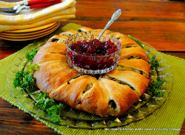 Cranberry Turkey Ring at Miz Helen's Country Cottage