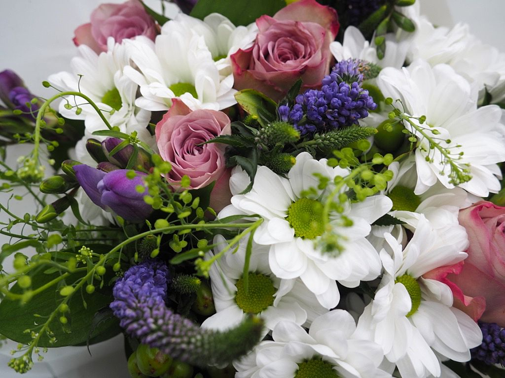 Blossoming Gifts Mothers Day Bouquet PLUS discount code
