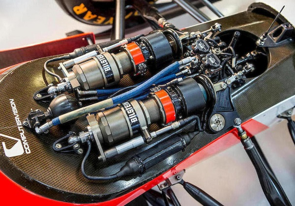Motor V8 Ford-Cosworth McLaren-Ford MP4/8A
