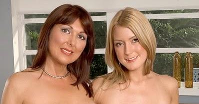 Nude girls flashing at walmart