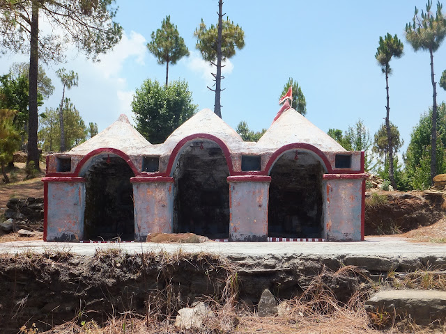 маленький храм в горах