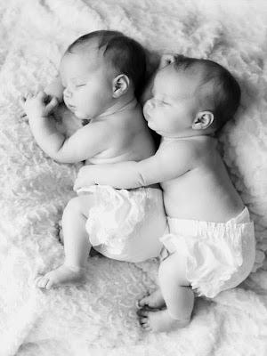 Bébés jumeaux - twin babies