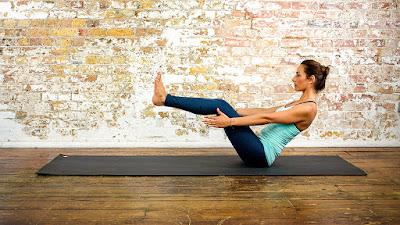 5 tư thế Yoga giúp bạn loại bỏ lượng mỡ thừa trong cơ thể hiệu quả