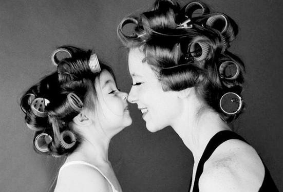 8 πράγματα που μαθαίνουν μόνο οι άνθρωποι που έχουν μια ΔΥΝΑΤΗ μητέρα... [photos]