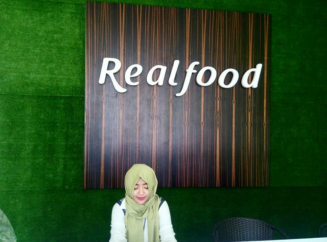 wingsfood vs indofood essay Home essays indomie vs mie sedap indomie vs mie sedap  (wingsfood) vs indomie (indofood)  reflective essay 2 muslim mosque vs.