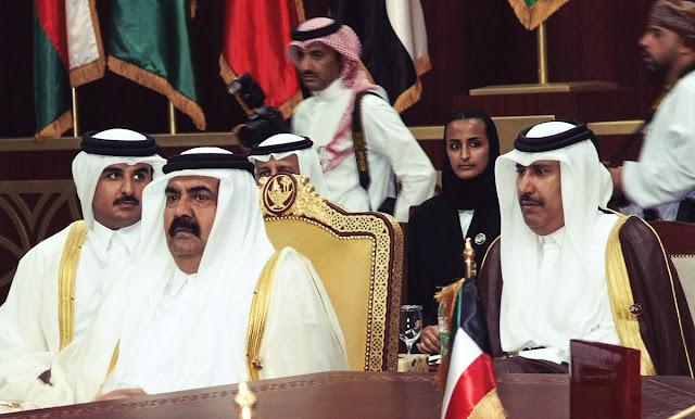 A família dominante no Catar é boa em chantagem, exploração e destruição de seus valores.