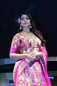 shriya saran new sizzling photos gallery-thumbnail-4
