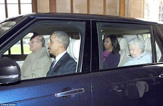 Ladies, Learn From This Photo of Queen Elizabeth, Her Husband And The Obamas