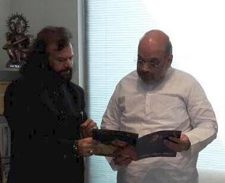 Sufi singer Hans Raj Hans joins BJP, praises Modi