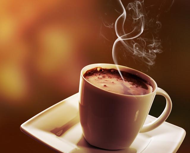 गरमा-गरम चाय पीने से हो सकती है खतरनाक बीमायाँ