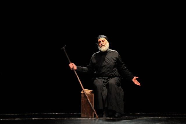 «Κοσμάς ο Αιτωλός» του Γρηγόρη Χαλιακόπουλου στο Θέατρο Κνωσός