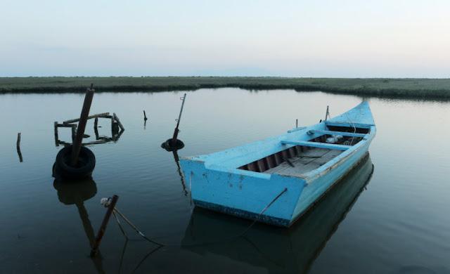 Έβρος: Θρίλερ! Έσκασε η βάρκα και βρέθηκαν στο νερό – Τέσσερις αγνοούμενοι, οι τρεις παιδιά