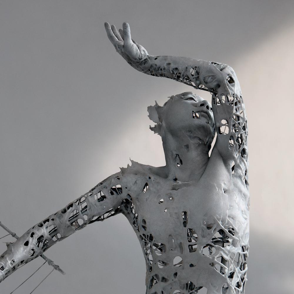 10-Yuichi-Ikehata-Kakuunohito-Surreal-and-Realistic-Physical-Fragment-Sculptures-www-designstack-co