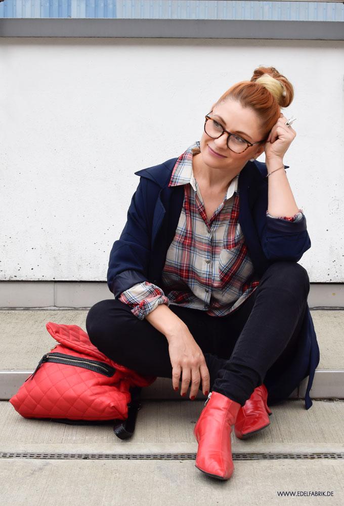 rote Lack Leder Stiefel von Zara, Oversized stylen
