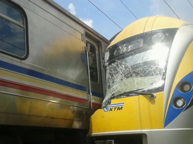tren ktmb, tren bertembung, ktmb malaysia