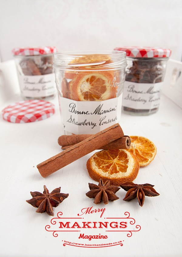 recipe for filling your house with christmas smells on #merrymakings magazine
