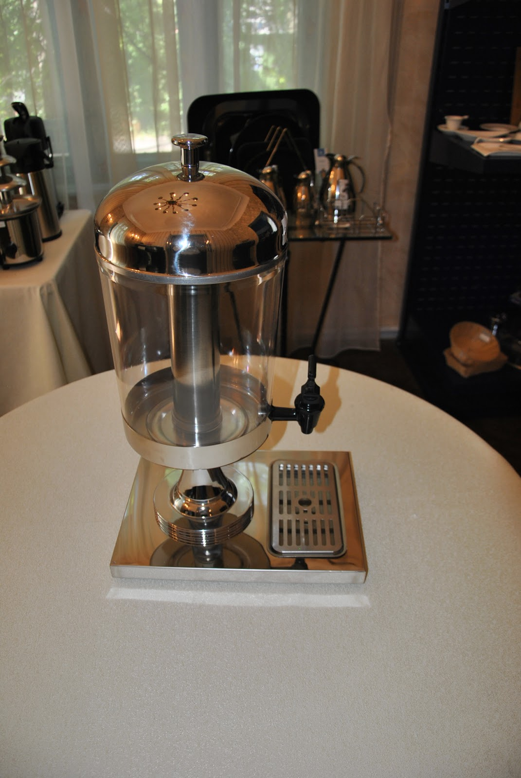 Dispenser, Dozator, Distribuitor Suc, Modele de Dozatoare cu Tub Gheata, Profesionale Horeca, Bufet, Bar, Articole, Pret Dispensere