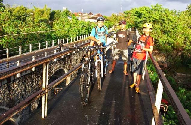 Liburan+Sepeda