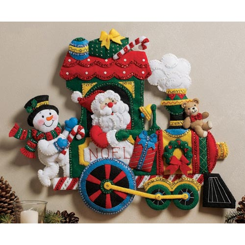 Bucilla-Santa-Snowman-on-a-TRAIN-WALL-HANGING-FELT-SEQUIN-KIT